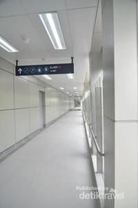 Jagalah kebersihan kawasan MRT.