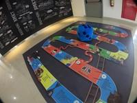 Terdapat kids corner di gallery ini, sehingga bisa mengajak si kecil sambil bermain