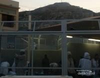 Perbukitan yang terlihat dari area Zamzam Sabeel ini.