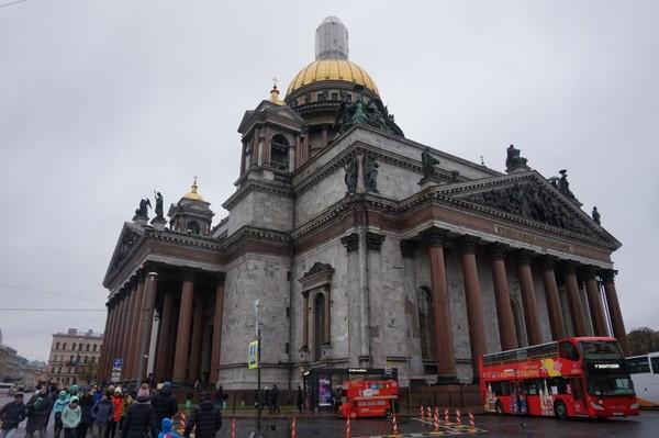 St Isaacs cathedral merupakan gereja utama di St Petersburg, Rusia