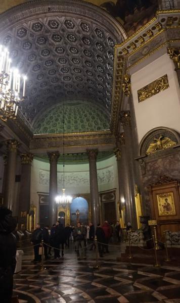 Katedral dibangun sebagai dedikasi untuk Lady of Kazan, salah satu ikon yang paling dihormati di Rusia