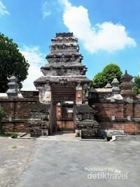 Gapura masuk di kompleks Masjid Gede Mataram Kotagede
