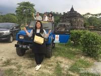 Candi Banyunibo adalah titik awal wisata Jeep kali ini. Kami memulai agak sore berharap cuaca sudah tidak terlalu panas