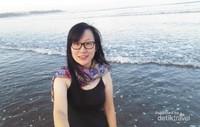 Menikmati cuaca dan pemandangan pagi hari di Pantai Kuta