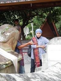 Kain Ulos wajib dipake bila memasuki pemakaman