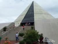 Monumen Jogja Kembali atau Monjali