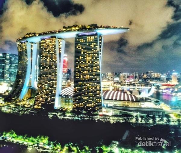 Pesona Marina Bay Sands Hotel