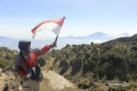 Puncak Cakrawala gunung Sumbing/ Eka Feriati