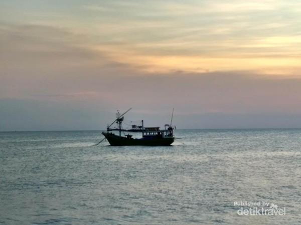 Laut yang tenang dapat menenangkan pikiran kita