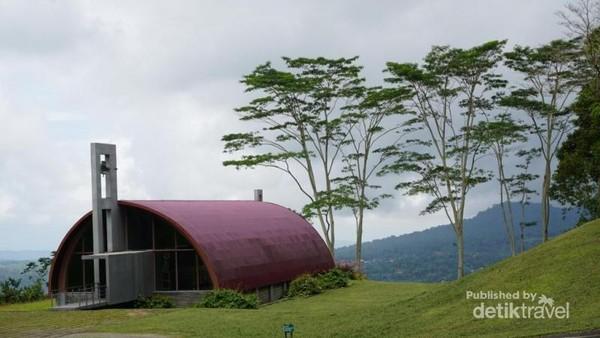 Kapel yang terdapat di Bukit Doa mahawu.