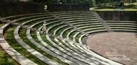Amphitheater yang  biasanya digunakan untuk pertunjukan.