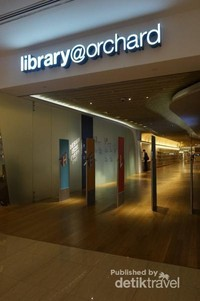 Library@orchard terletak di lantai 3 dan 4 Orchard Getaway shopping center