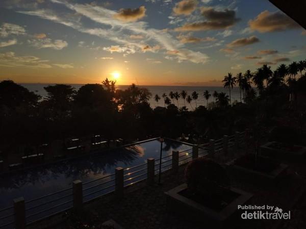 Menyapa sunrise di Mata Ie Resort