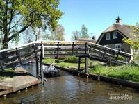 Desa Giethoorn di Belanda
