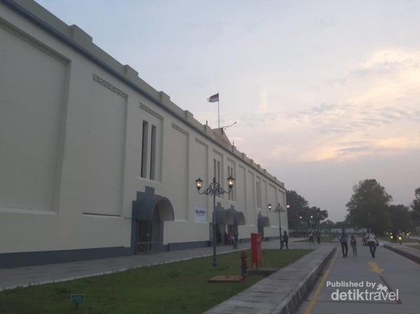 Bangunan utama Pabrik Gula Colomadu
