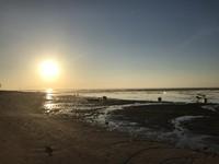 Perlahan mentari mulai menerangi pesisir Sanur.