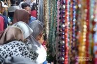 Antusias warga Jepara sangat tinggi, sehingga pengunjung sangat ramai.