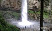 Air Terjun saringgana dengan pesona alam yang sangat asri