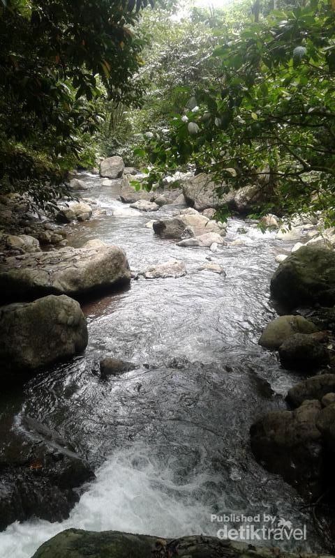 Sungai Sulkam yang meliputi Air terjun Saringgana