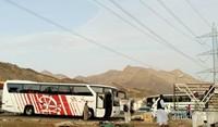 Area parkir bus yang membawa rombongan jamaah haji.