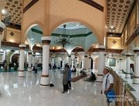 kemegahan dalam masjid