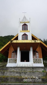 Gereja yang terdapat di Bukit Kasih.