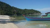 Pulau Pahat merupakah salah satu pulau konservasi penyu di kabupaten Anabmbas