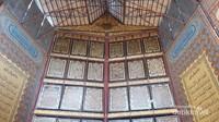 Inilah bagian utama Al-Quran Al-Akbar yang terletak di sebuah masjid di Pondok Pesantren Al-Ihsaniyah, daerah Gandus, Palembang.