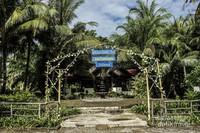 Terlihat tulisan welcome to Dutungan Island ketika anda sudah tiba di dermaga Pulau Dutungan.