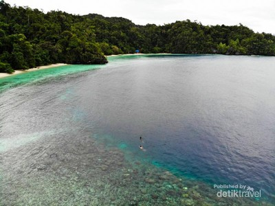 Teluk Cinta di Pulau Labengki, Bikin Jatuh Hati