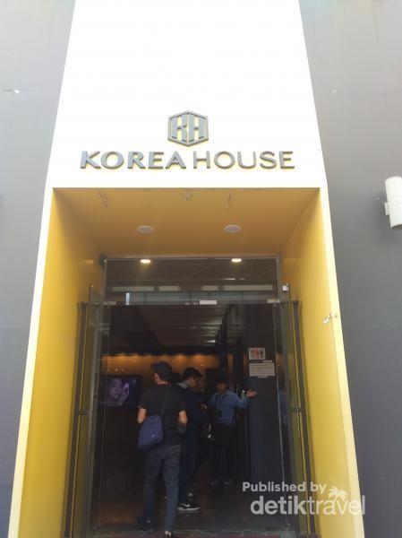 Korea House adalah rumah untuk mengenalkan budaya Korea melaui makanan dan pakaian