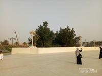 Jamaah haji Indonesia mengunjungi area Corniche Middle Park Jeddah