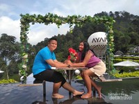 Bahkan, pengunjung bisa membooking Ayanaz untuk foto pre wedding
