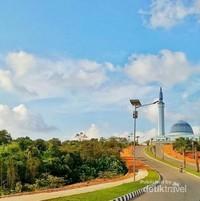 Masjid di pulau Dompak