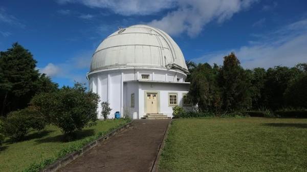 Teleskop Zeiss, yang menjadi icon observatorium Bosscha