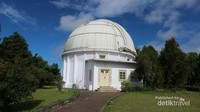 Teleskop Zeiss yang menjadi icon dari observatorium Bosscha