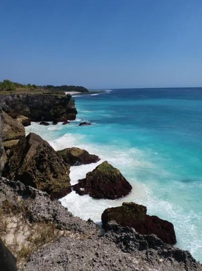 Pantai Mandorak Sumba yang Cantiknya Nggak Main-main