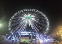 Ferris wheel ini memiliki ketinggian 60 meter