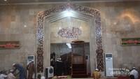 Mimbar khotib di Masjid Sabilal Muhtaddien