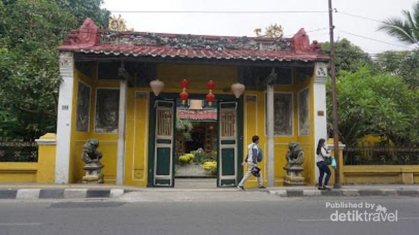 Gerbang depan Tjong A Fie Mansion di Kota Tua Medan