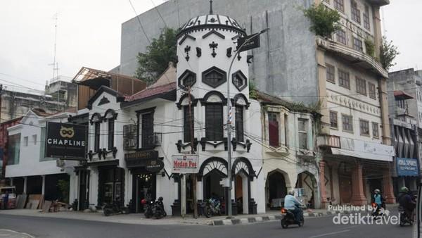 Salah satu bangunan di Pojok Kota Tua Medan