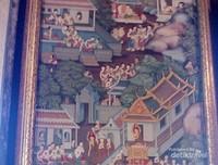 Lukisan cantik ini dipasang di dinding ruangan tempat Patung Reclining Budha berada