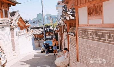 Bukchon Hanok Village, Desa di Tengah Modernnya Seoul