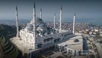 Dari atas ketinggian bukit Camlica dengan selat Bosphorus