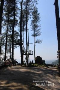 Seperti lokasi wisata lain , di tempat ini juga terdapat spot foto yang dengan keindahan pemandangan pegunungan.