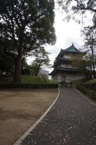 Fujimi-yagura yang dibangun pada tahun 1659 merupakan menara 3 lantai terakhir dari Tokugawa Shogunate.
