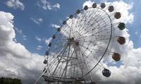Dari bianglala bernama Mata Legenda ini, kita bisa menikmati pemandangan Taman Mini dari ketinggian