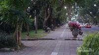 Salah satu sudut landskap kota, aspic uituk sekedar nongkrong dan ngobrol dengan kawan (Foto: Aryasuta)