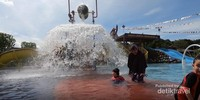 Tersedia juga kolam renang anak bernama Anak Tirta dengan berbagai permainan air yang menarik