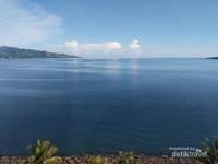 Pemandangan dari kamar hotel DMaleo mungkin ini termasuk bagian dari Pantai Manakarra kali ya